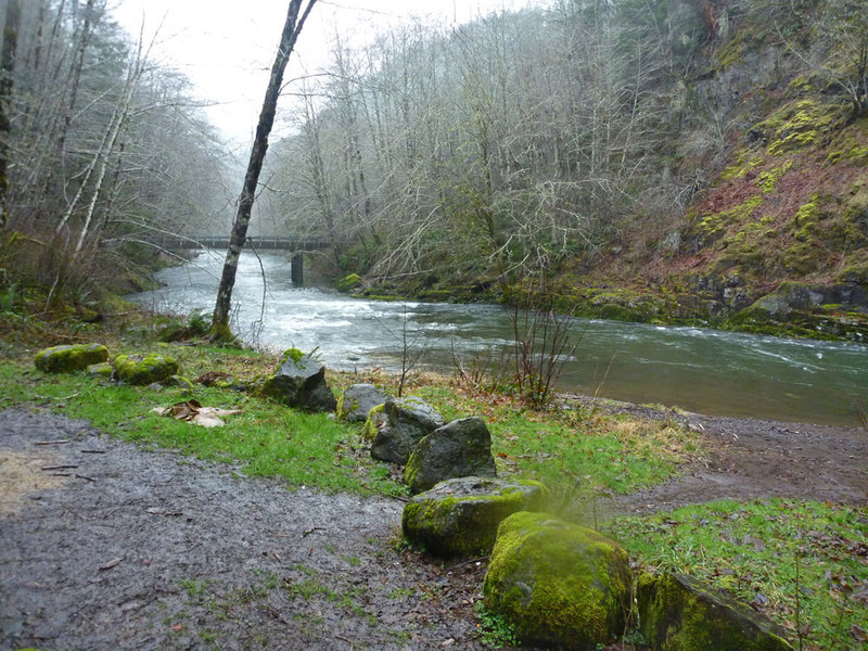 Soggy Sneakers A Guide to Oregon Rivers